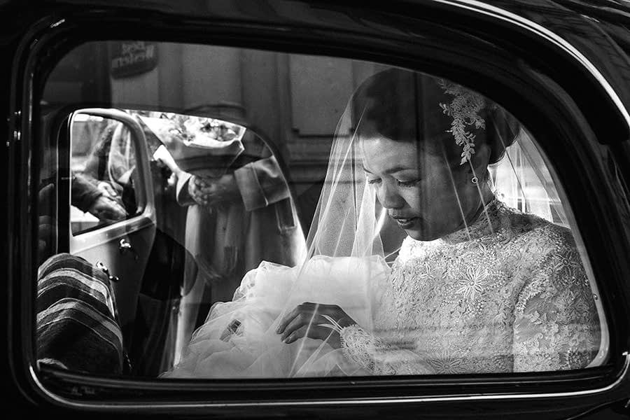 Loire valley wedding photographer - car